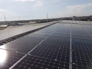 two-sides-of-solar-panels-in-tema
